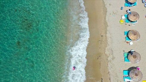 شواطئ إزمير النائية خيار السياح زمن كورونا