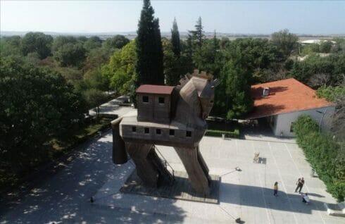 """""""طروادة"""".. مدينة تركية تزخر بتراث إنساني ممتد لآلاف السنين"""