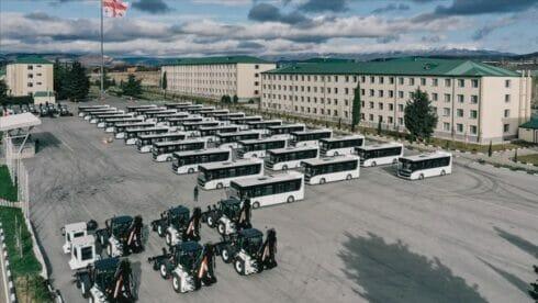 تركيا تدعم جورجيا بحافلات ومعدات عسكرية