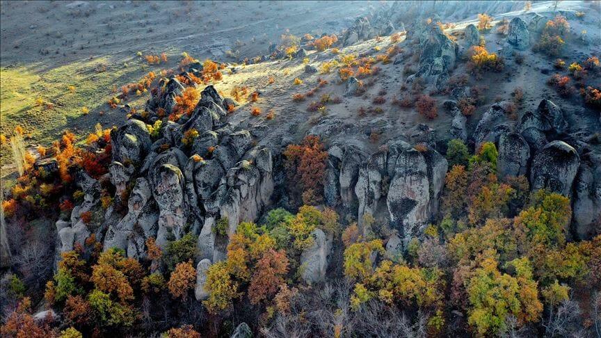 """""""وادي كيليسترا"""" بتركيا.. ألوان الخريف تجذب عشاق التصوير"""