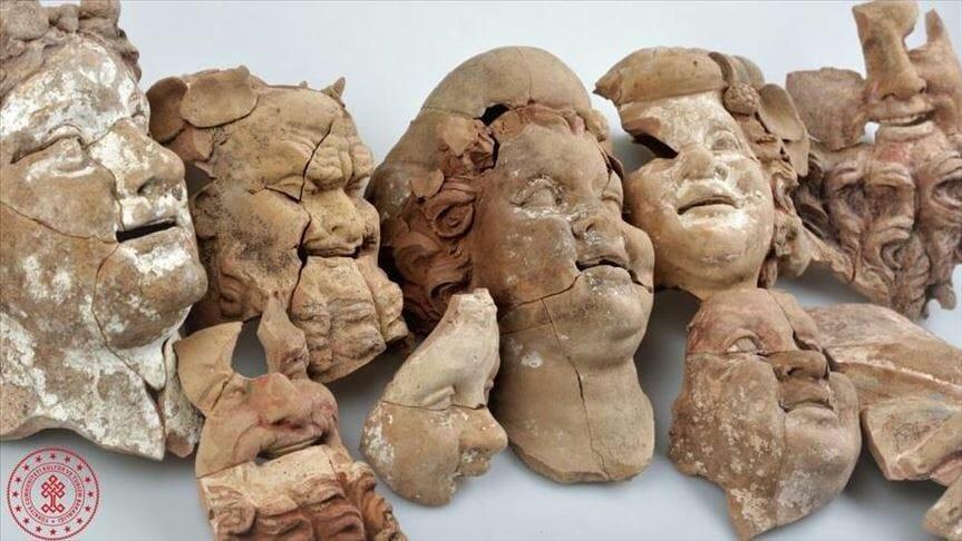 thumbs b c f4a4ab685b82f86fb8d460a2407e5b8c - تعود لـ2000 عام.. اكتشاف تماثيل وأقنعة أثرية شمالي تركيا