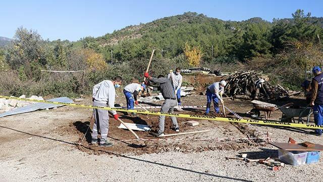 mugla kazi calismasi 1479153 2 - مجموعة أطفال يكتشفون مقبرة تاريخية أثناء لعبهم الكرة في موغلا
