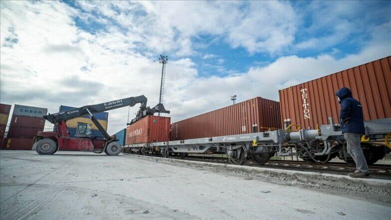 انطلاق ثاني قطارات التصدير إلى الصين