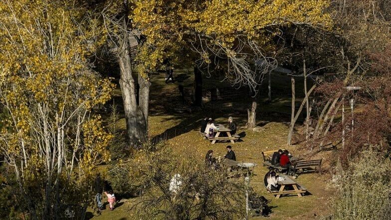 تركيا تعيش أكثر موسم خريف حرارة منذ 50 عاماً