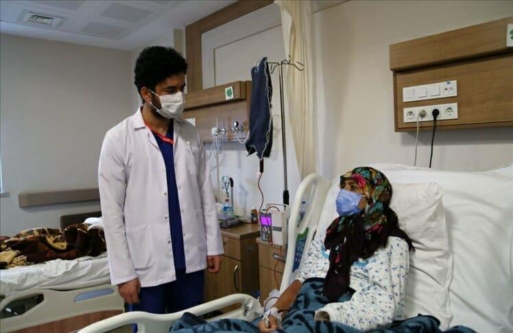 حكاية طبيب أفغاني منحته تركيا الحياة