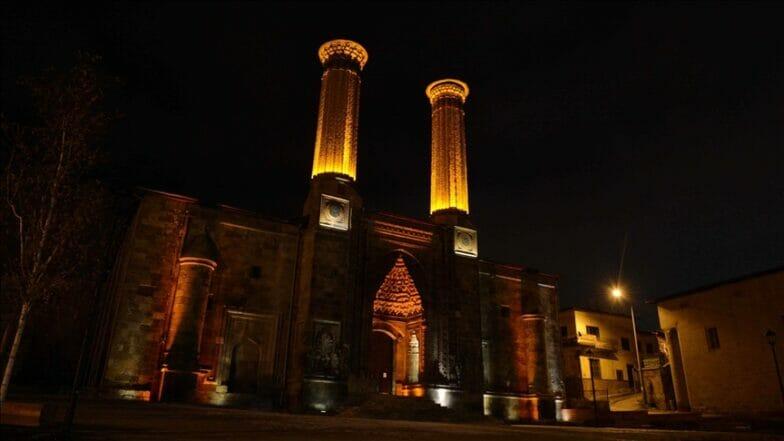 """أرضروم التركية.. تاريخ الولاية في """"طريق الثقافة"""""""