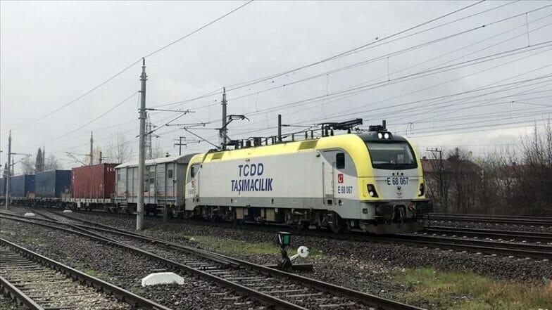 قطار الصادرات التركي إلى الصين يحيي طريقي الحرير والتوابل