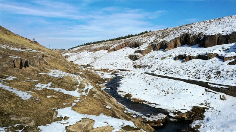 """وادي """"مادافانس"""" التاريخي.. وجهة مهمة للسياحة البيئية بتركيا"""