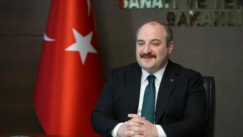 وزير تركي: مسيّراتنا تحلق في أجواء أوروبا قريبا