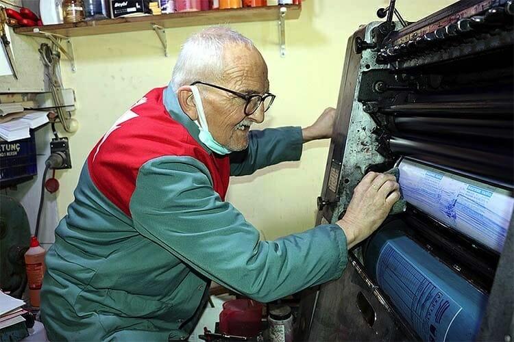 مواطن تركي يتحدث عن تطور الطباعة في 6 عقود الأخيرة