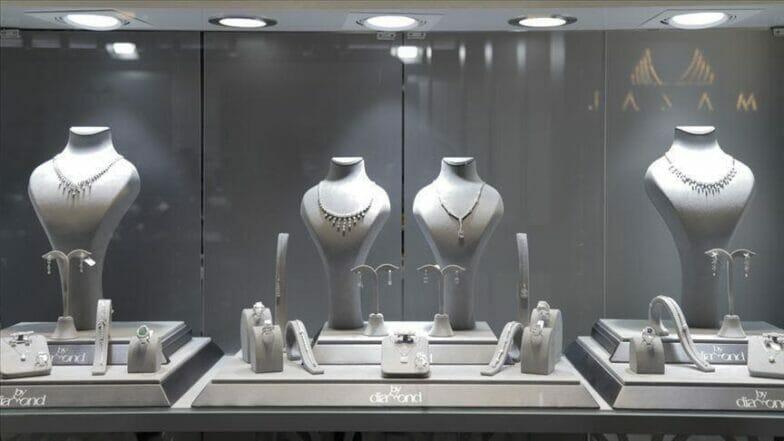 انطلاق أول معرض افتراضي للمجوهرات