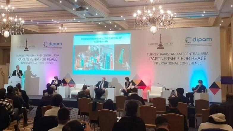 مؤتمر بإسطنبول يبحث تعزيز التعاون بين تركيا وباكستان وآسيا الوسطى