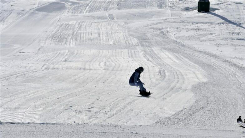 """تزايد الإقبال على مركز """"صاقلي كنت"""" للتزلج"""