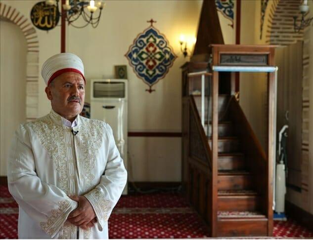 إمام مسجد يساعد المدمنين على التعافي