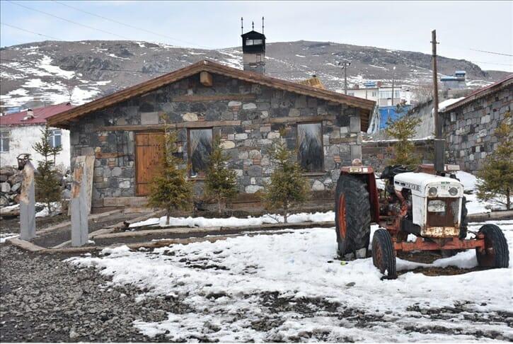 """بين أحضان الريف التركي.. """"سياحة المزارع"""" تخطف أنظار الزوار"""