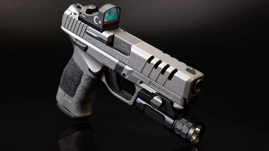 """المسدس التركي """"SAR 9"""" يفوز بجائزة """"ذهبية"""" في الولايات المتحدة"""