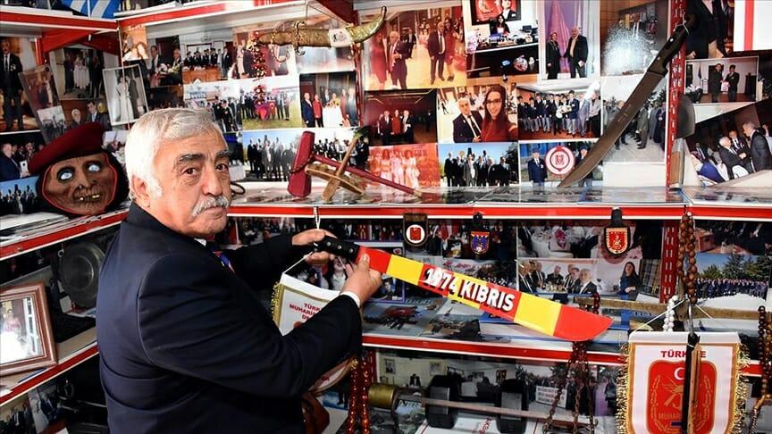 يحتفظ بذكريات عمرها 47 عاماً من عملية قبرص في منزله