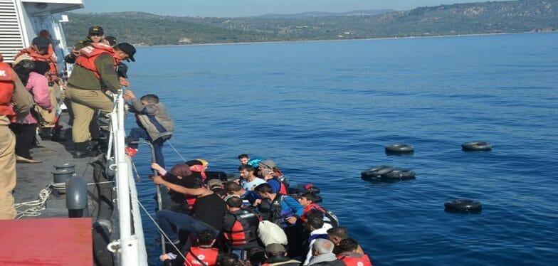 خفر السواحل التركي ينقذ 31 طالب لجوء غير شرعي قبالة سواحل إزمير