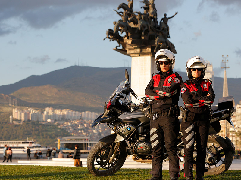 الدلافين في شرطة الدراجات النارية التركية 1 - فرقة الدلافين في شرطة الدراجات النارية التركية