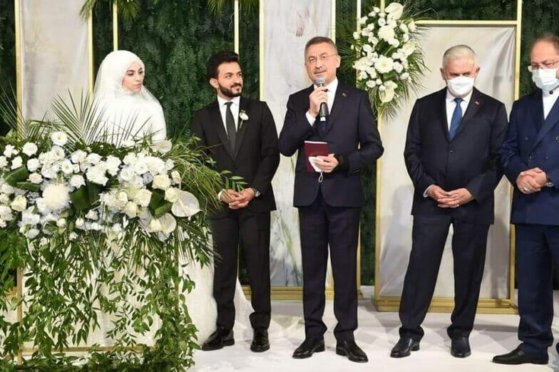 صور: مراسم حفل زفاف شاب يمني بحضور وفد حكومي تركي رفيع المستوى