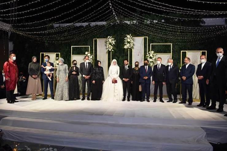 20cab767 89b1 4ae6 b10c c8bb646ca5ae X084H - صور: مراسم حفل زفاف شاب يمني بحضور وفد حكومي تركي رفيع المستوى