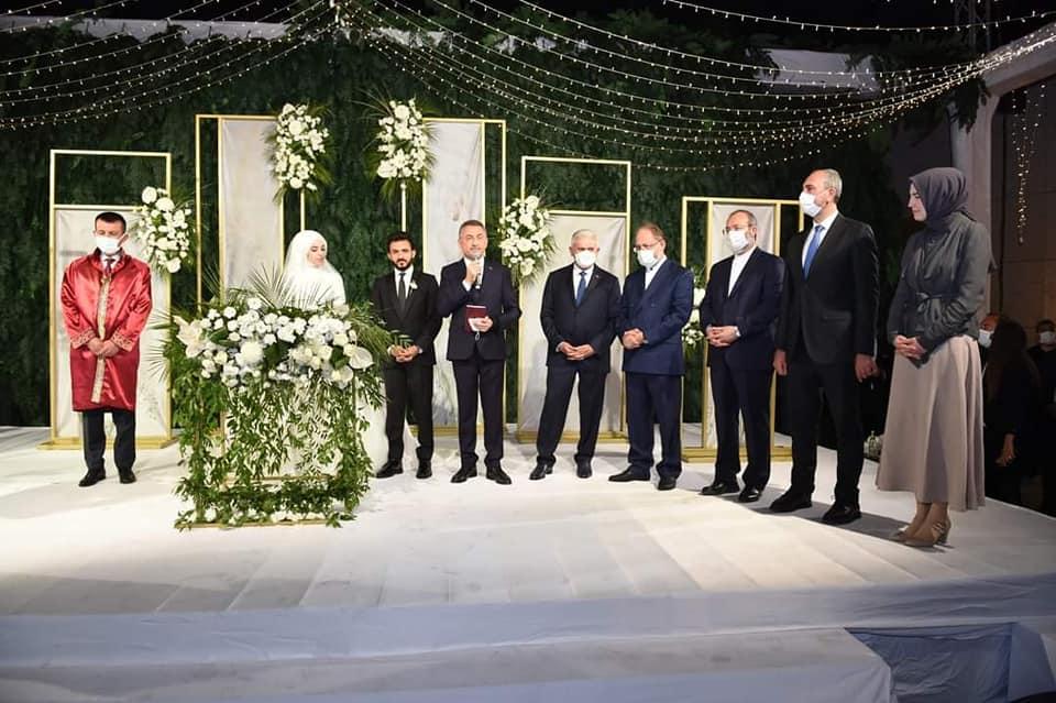 3 - صور: مراسم حفل زفاف شاب يمني بحضور وفد حكومي تركي رفيع المستوى