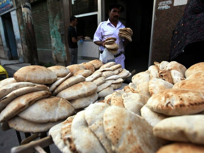 هل سيرفع السيسي سعر رغيف الخبز المدعم في مصر؟