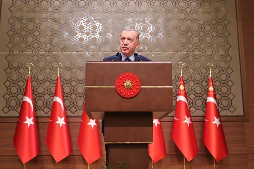 أردوغان يثني على الصحافة الحرة وتضحيات الصحفيين في سبيل الوطن