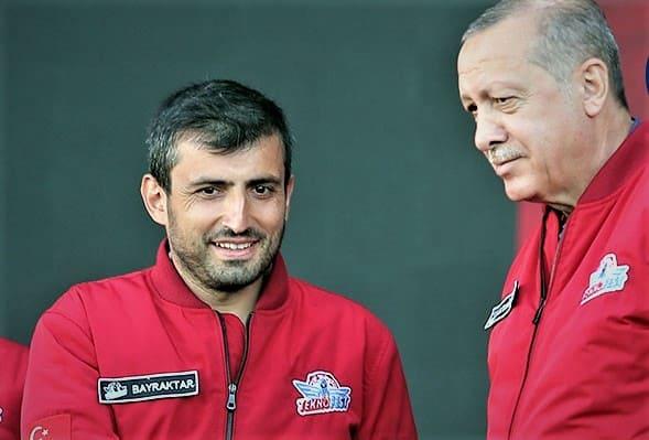 أردوغان مع سلجوق بيرقدار في مهرجان تكنوفيست الماضي