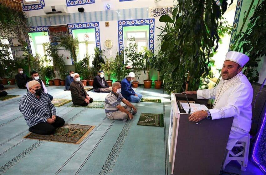 أحمد أيدمير - إمام تركي يحول مسجده إلى حديقة