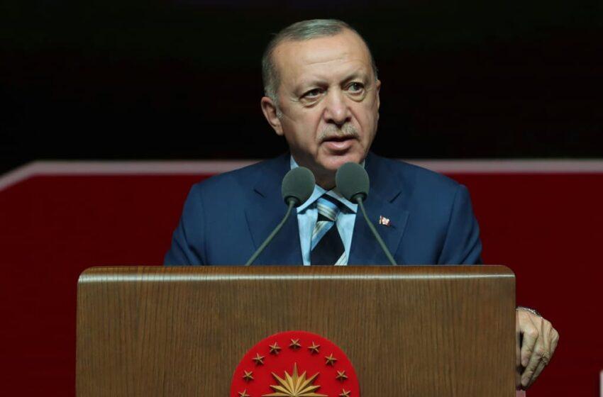 أردوغان يهنئ الشباب التركي