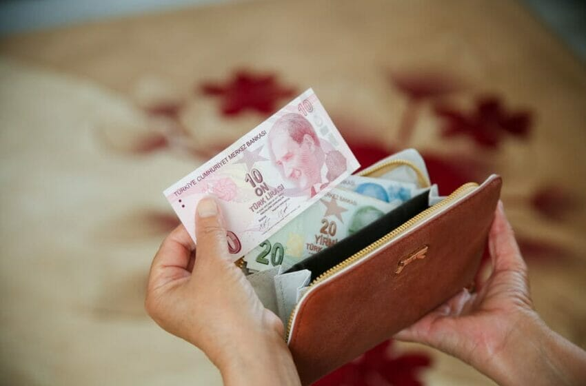 كم سعر الدولار في تركيا اليوم الجمعة 8-10-2021؟ سعر صرف الليرة التركية