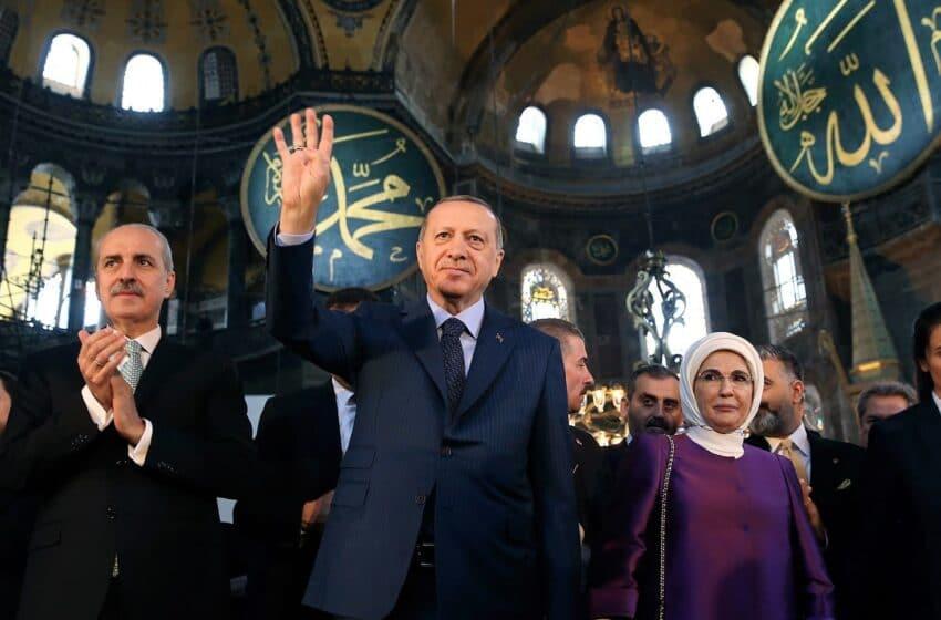 مسجد آيا صوفيا يستقبل ملايين الزوار منذ إعادة إحياءه عام 2020